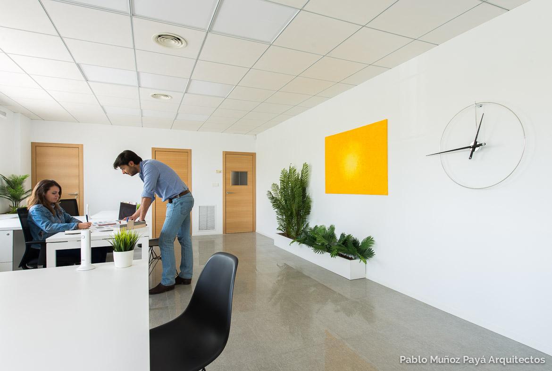 Oficinas Para Stefanie Gala Shoes Pablo Mu Oz Pay Arquitectos # Muebles Laura Elda